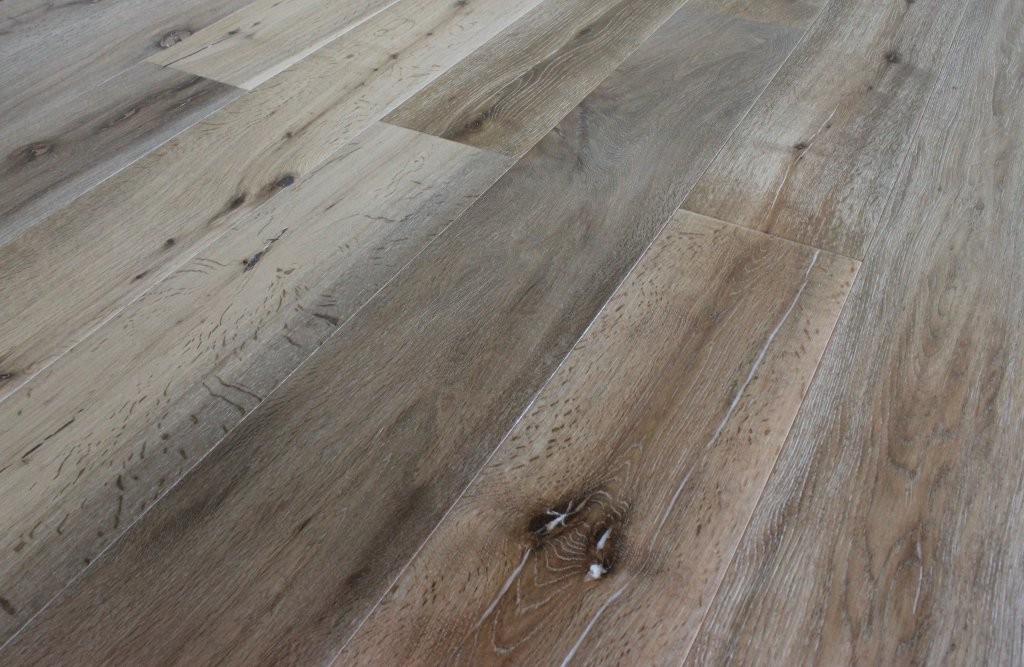 Oak pebble beach wire brushed 5 8 x7 1 2 x6 quality for Hardwood floors quality